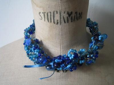 collier bleu laiton