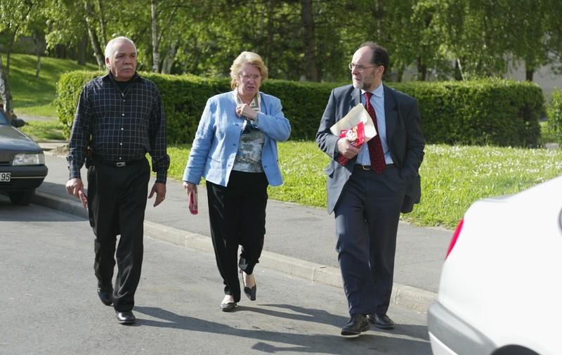 Avec Colette LEVAILLANT et Jocelyn JOLI, militants du Parti socialiste, à Montédour