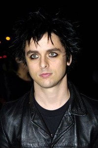 normal_174034_2004_12_01___green_day_attend_the_vh1_big_in_04_awards___los_angeles__ca___01