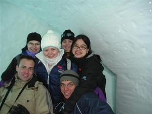 2005.03.11_126_ice_hotel_our_group_on_a_bed