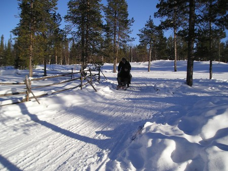 2005.03.12_284_finland_sami_basement_sledging