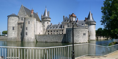 sully_douves_chateau1