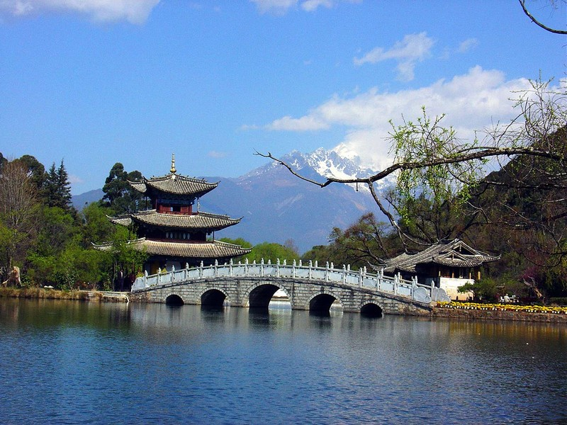 Jade Dragon bridge in Lijiang