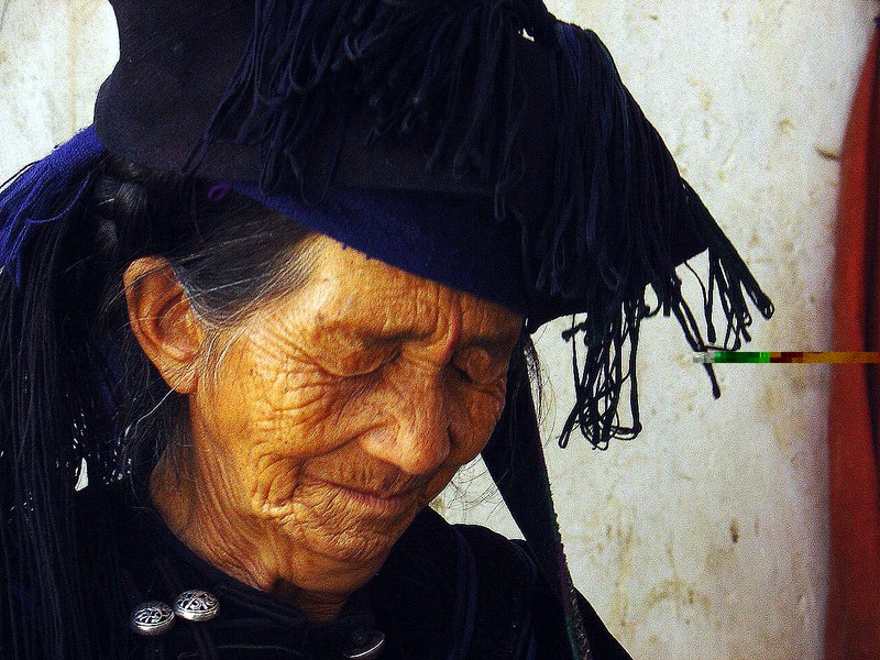 An old woman in Yuanyang region