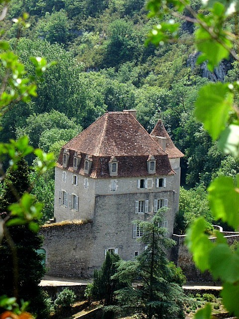A tower of a Bastide