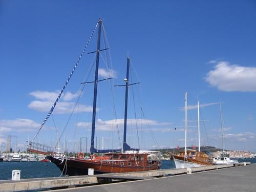 Le port et ses magnifiques bâteaux 2