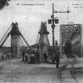 Libourne___Entr_e_du_Pont_M_tallique