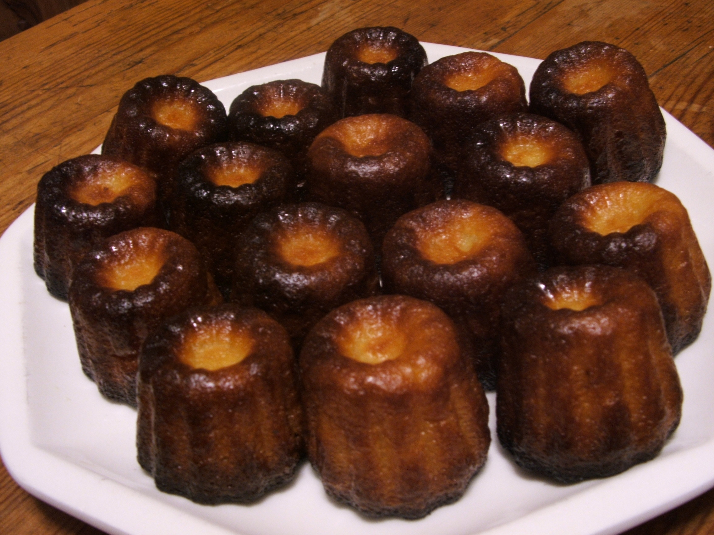 Caneles (Canneles) De Bordeaux Recipe — Dishmaps