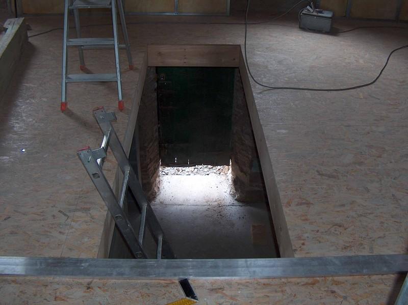 la tr mie de l 39 escalier du rdc au 1er niveau fait par nous mission renovation. Black Bedroom Furniture Sets. Home Design Ideas