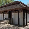 Temple médiéval de Padeniya Vihara.