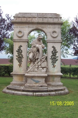 monument_lagloiredesproven_aux
