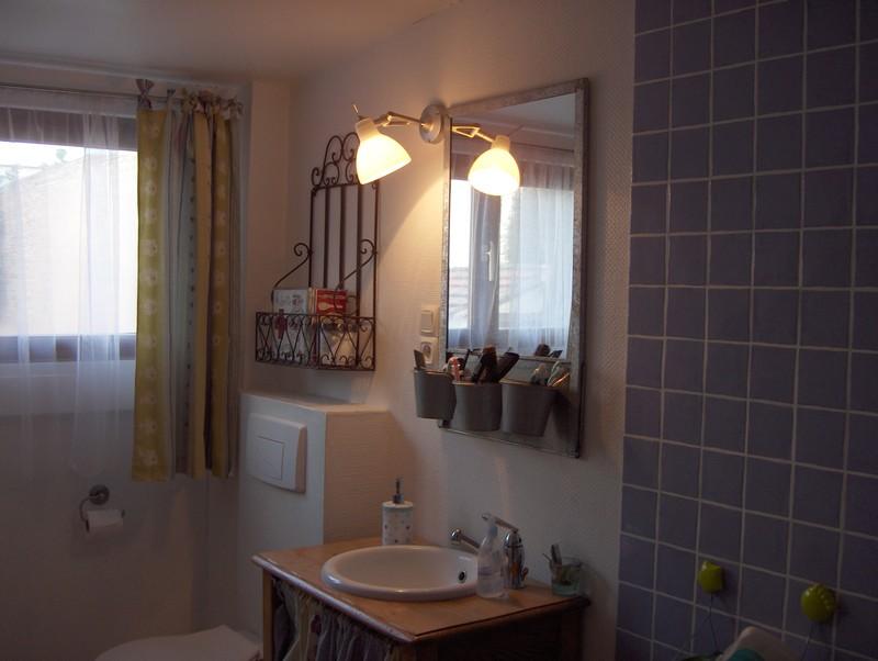 Visite guid e happy birthday ma ptite bicoque liliblog for Salle bain champetre