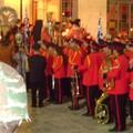 La fanfare et l'armée sont présent
