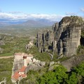 Meteores : monastere et suite de pics