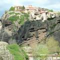 Meteores : monastere sur crevasse