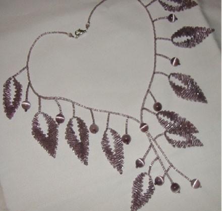 collier feuilles ametyste (Inspiré par Huguette, Rocailles Magiq
