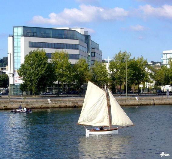 p1010349.petit_bateau.01