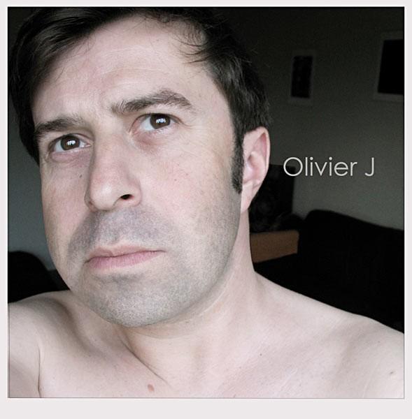 Olivier J -A la maison