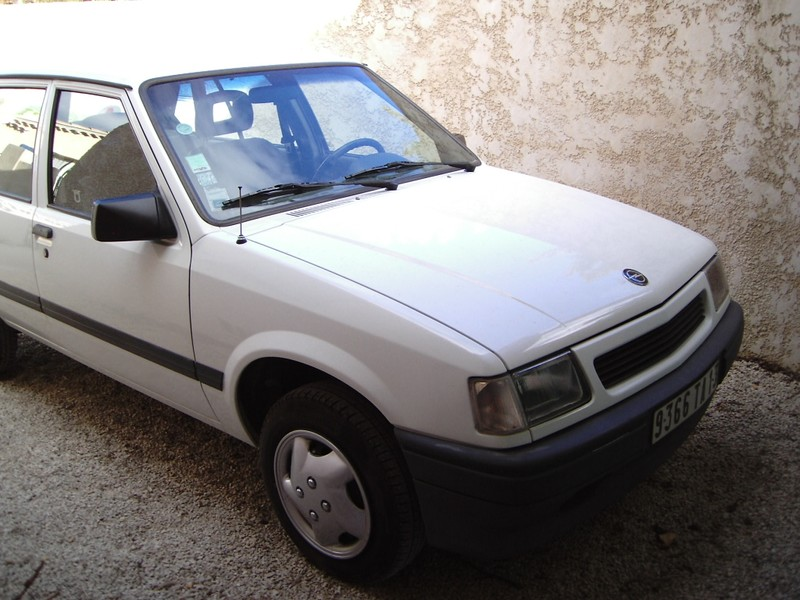 opel corsa 1 2l injection ann e 1992 133 520 km opel. Black Bedroom Furniture Sets. Home Design Ideas