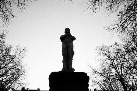statue_du_g_n_ral_mouton_duvernet