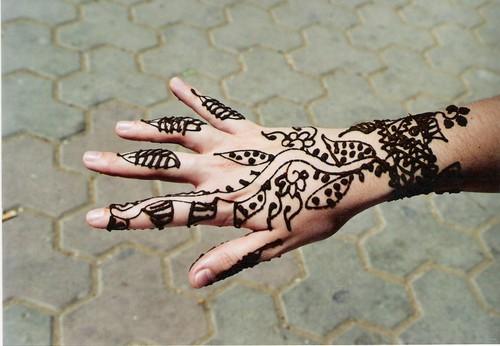 Suite de cadeaux ...Demandez ont vous l'offre - Page 8 M-tatouage_au_henn_