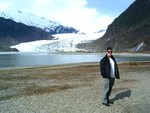 kevin_at_glacier_1_