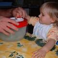 Amélie essore la salade (2)
