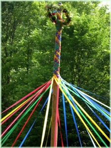 maymoon_maypole_2004_radiopooh