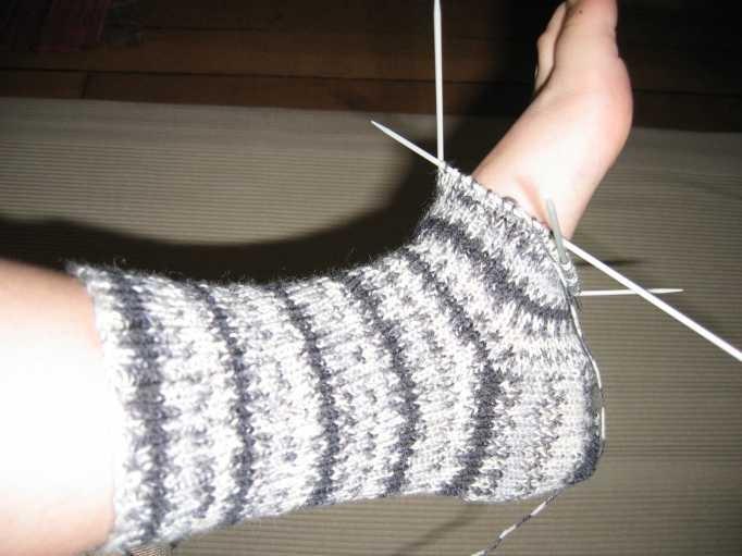 tricoter des chaussettes explications. Black Bedroom Furniture Sets. Home Design Ideas