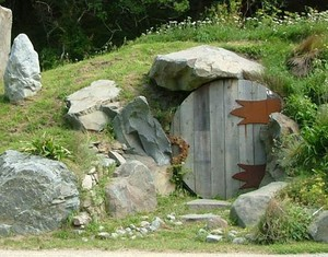 4_questions_hobbit_house