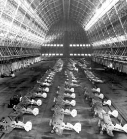 usn3_interior_20of_20hangar_20one