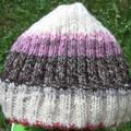 Essayer le bonnet tricoté laine filée c est l adopter
