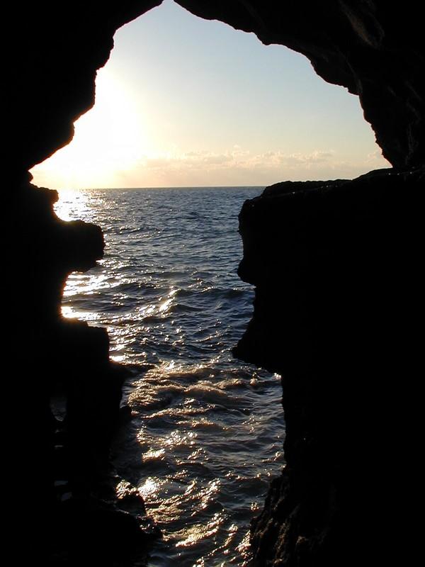 Les grottes d'Hércule 01