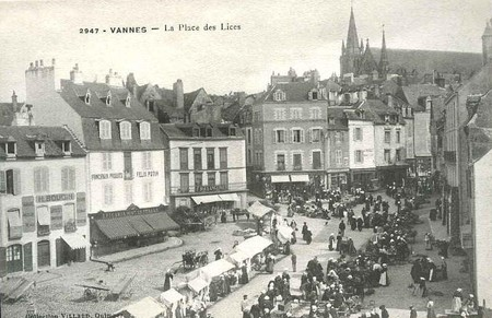 march__place_des_lices_vue_de_haut