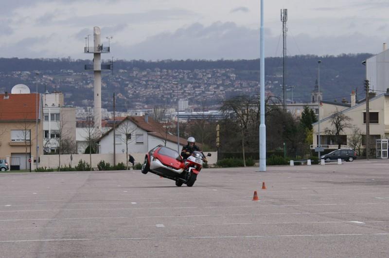 C'est lui qui m'a appris à conduire les motos...